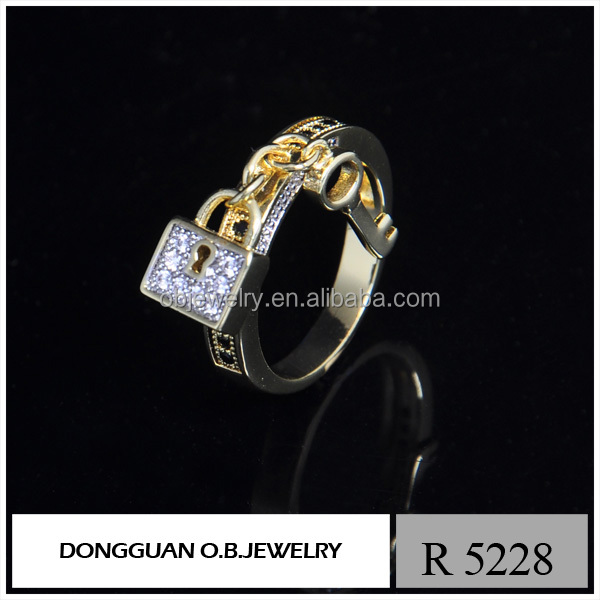 New Arrival wholesale pendant fashion ring hanging lock and key