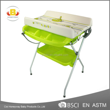 Baby bathing table with bathtub
