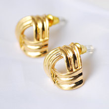 simple gold stud earring designs for women