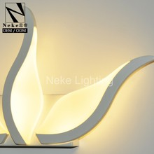 High efficient modern whtie acrylic wall light lambader