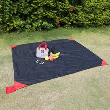 100% polyester outdoor foldable waterproof black picnic mat picnic blanket with 4 pockets at corners