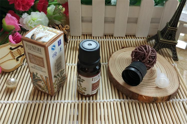 China Manufacturer of Pure Sandalwood/ Sandal wood Essential Oil 10ml