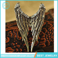 2017 Punk Gold Plated Alloy Studded With Shiny Rhinestone Angel Wings Crystal Finger Ring for Women Jewelry