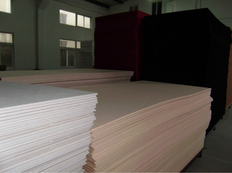 Polyester fiber sound-absorbing panel