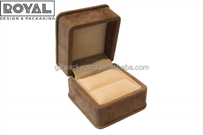 Handmade Suede Plastic Jewelry Box for Ring Jewelry Packaging with custom logo
