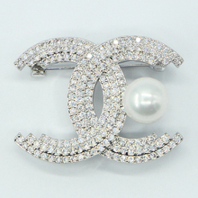 Elegant Luxury High Level l Women Brooch With Zircon Crystal Pin New Arrival High Quality