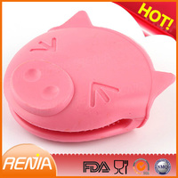 RENJIA silicone animal hand gloves,animal silicone,animal glove