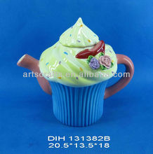 Ceramic cake shaped teapot with flowers
