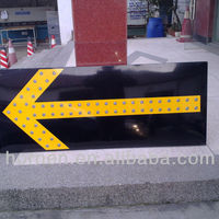 Solar Traffic Guide Board Keep Two
