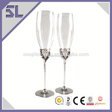 2016 New Wedding Decorations Birde And Groom Champagne Glass Supplier Champagne Glass Cup wedding