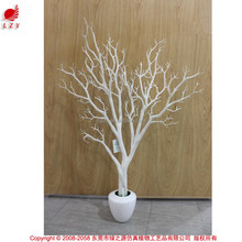 Factory direct hot sell artificial dry tree branch wedding centerpieces coral tree