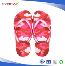 2016 new design pink metallic pvc upper texture sole children flip flops soft slipper