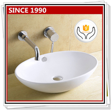 8195 Traditional design ceramic wash basin for bathroom
