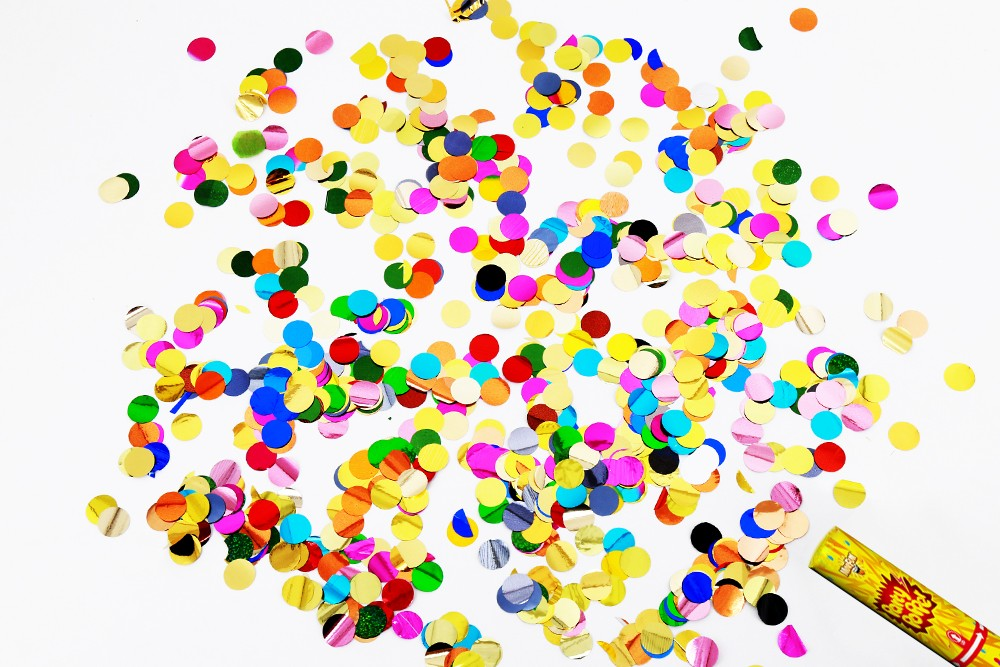 Hong Kong Best Selling party supply confetti tube launcher confetti poppers for weddings