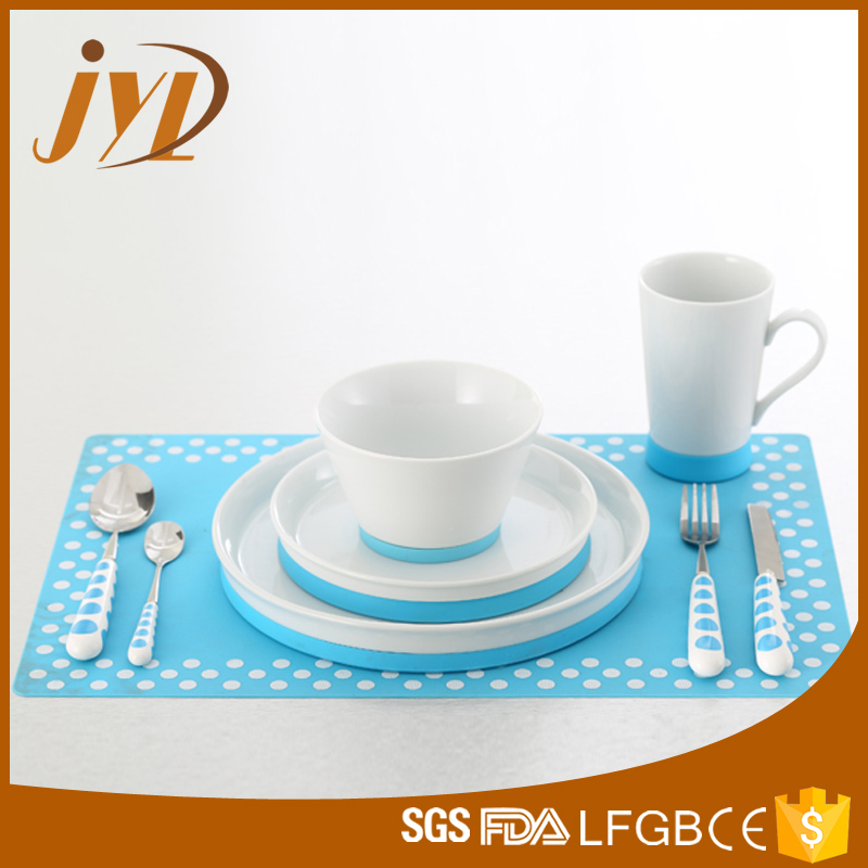 fine porcelain dinner set.jpg