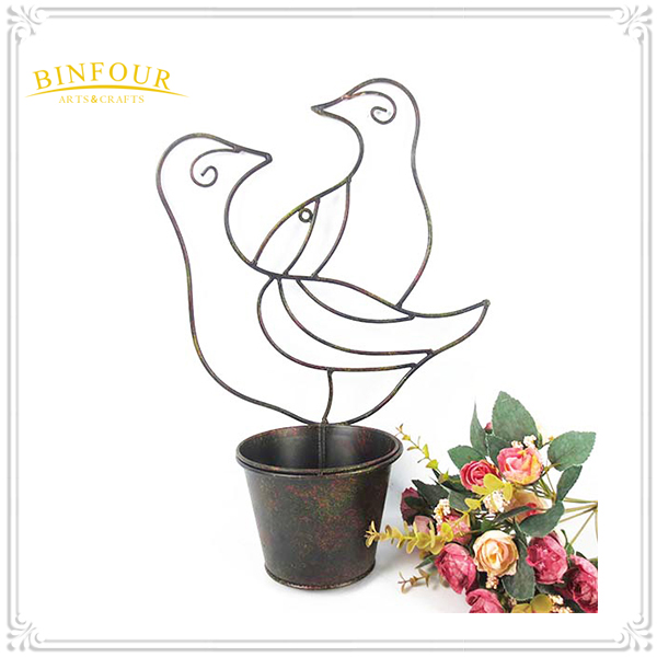 Handmade mini metal animal shape garden& indoor flower pot
