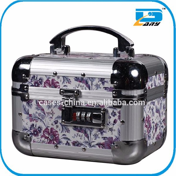 Beautiful Aluminium beauty make up box