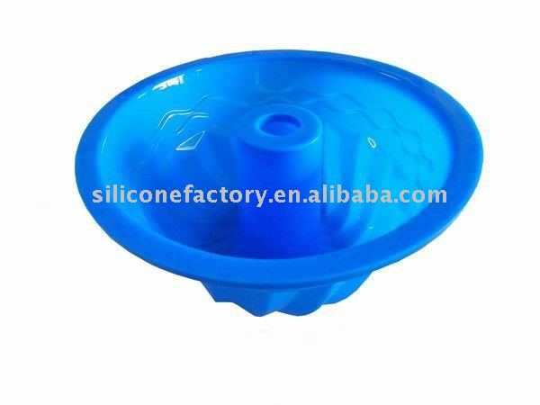 Fluted baking mould