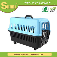 Portable transport box with wheels fiberglass dog house