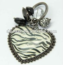 2012 promotional gifts zebra heart shaped resin keychain