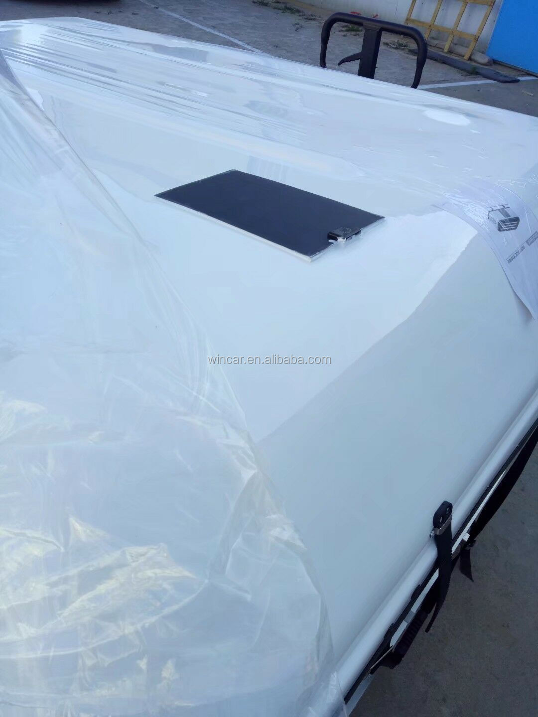Hard shell fiberglass car roof top tent / Auto Top Tent Hard Shell Car Roof Top Tent