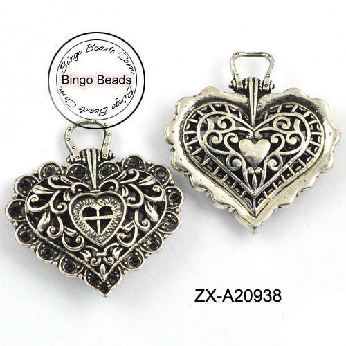 Antiqued Silvery Vintage 3D Hollow Flower Pattern Heart Pendant Charm