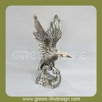 Resin eagles figurine