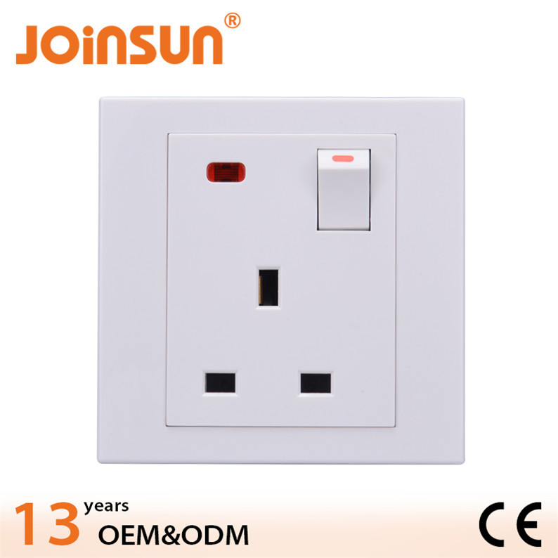 Good quality 3 -pin UK bus adjustable outlet
