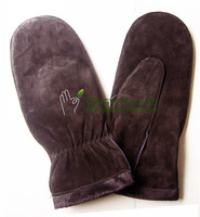 Ladies leather mittens made with pig suede, with extra soft and warm imitation fur cuff