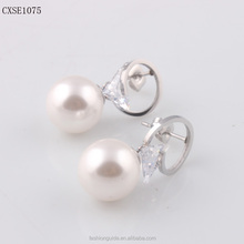 New Design Fashion Pearl Stud Earring W/ Zircon Stainless Steel Silver Tone Earring