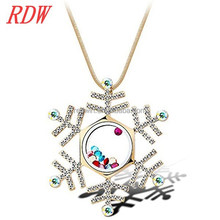 RDW Necklace Memory Meaningful Floating Locket Necklace Colorful Floating Snowflake Locket Necklace