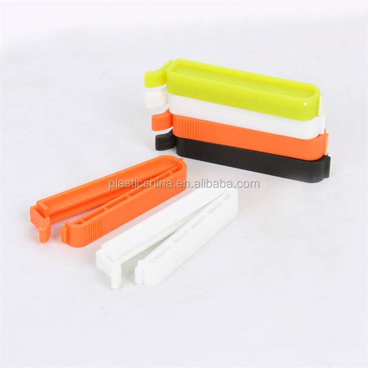 Plastic retaining holding clips for food bag