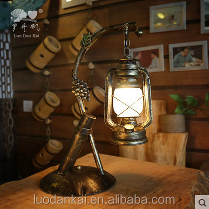 Sell well Decorative Vintage Hotel Oil Desk Reading Lamps Horse Lamp