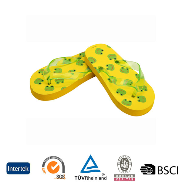 2017 wholesale cheap kids girls fashion beach wear transparent pvc upper pe flip flops
