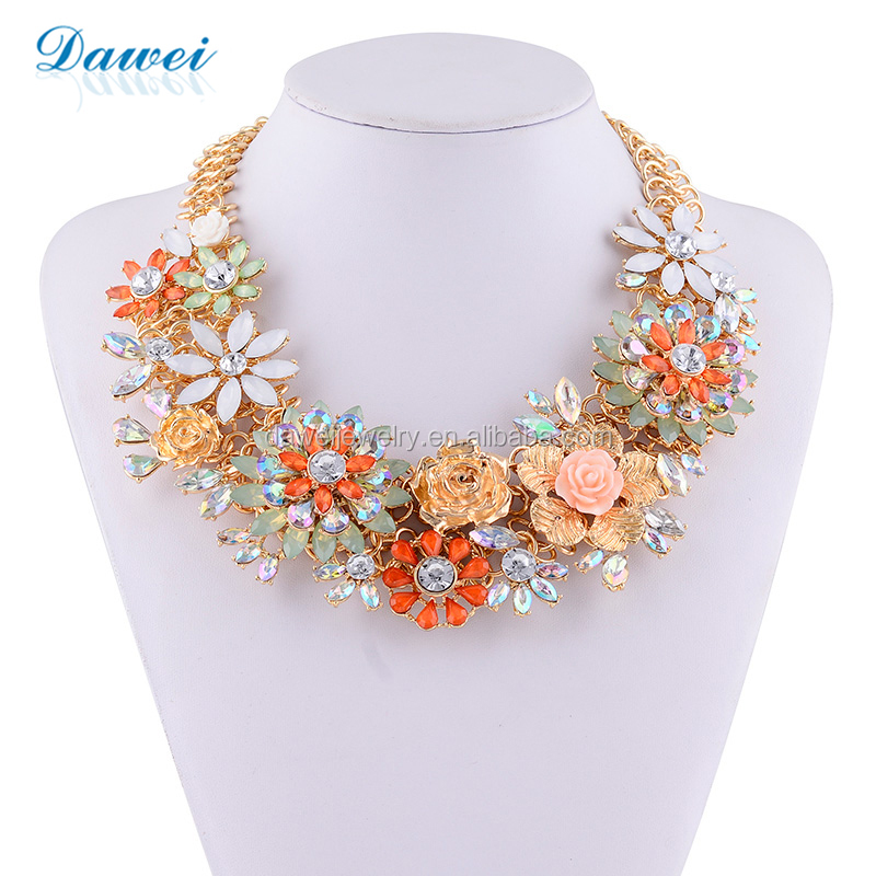 New Fashion Pink Plastic Flower Pendant Chunky Statement Necklace