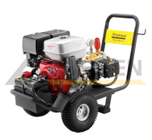 High Density Cleaning Machine Briggs and Stratton 13.5 HP Petrol Engine 3915 PSI Petrol High Pressure Cleaner