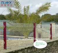 Angle bent welded wire mesh fence