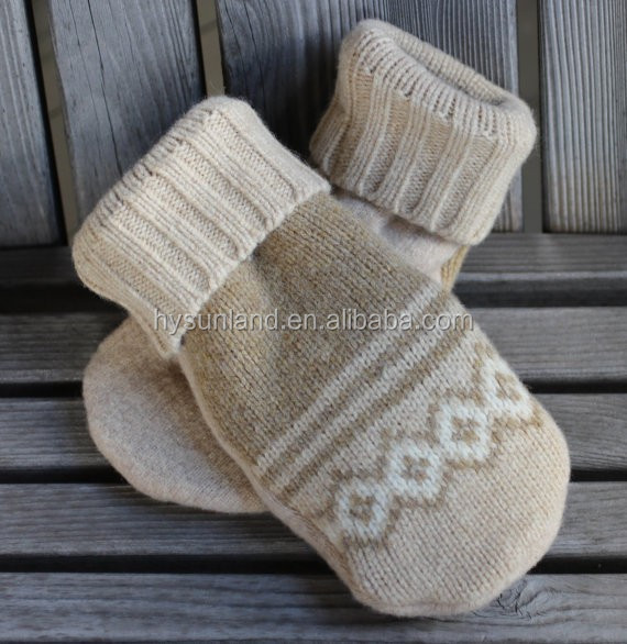 W-426 winter upcycled reclaimed felted wool sweater knitting fleece lined mittens