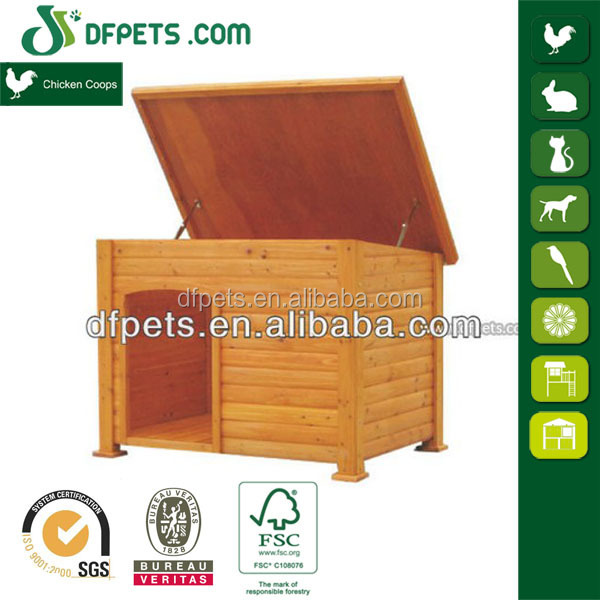 Natural flat roof wood dog house