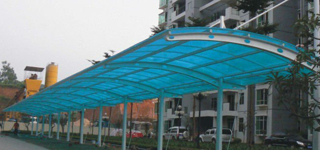 Transparent polycarbonate hollow sheet for roof panels