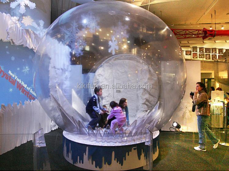 Hot sale indoor giant Inflatable Snowing Globe for christmas promotion