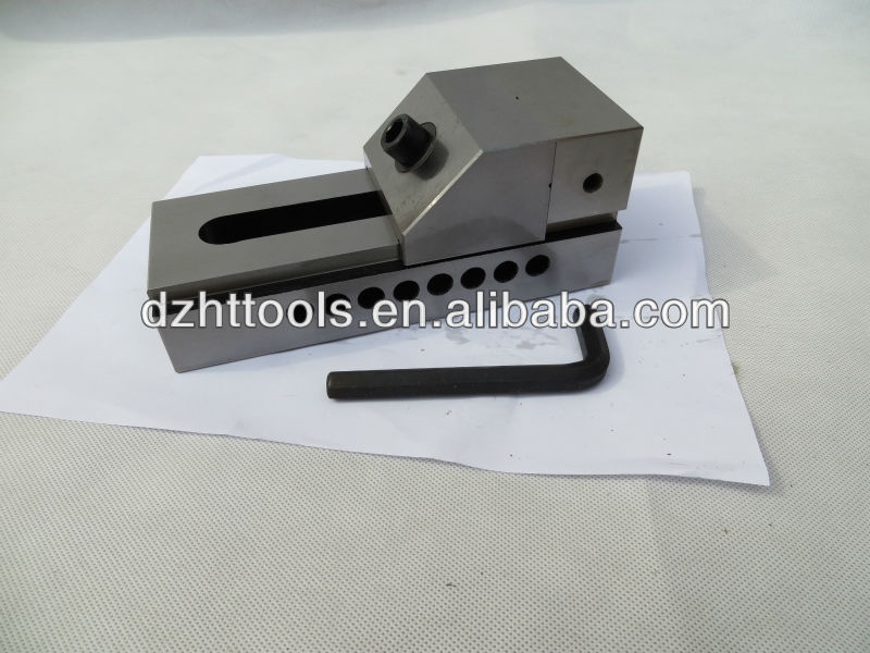 cast steel bench vise