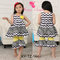 Wholesale korean baby girls Boutique chevron clothing sets with ruffle
