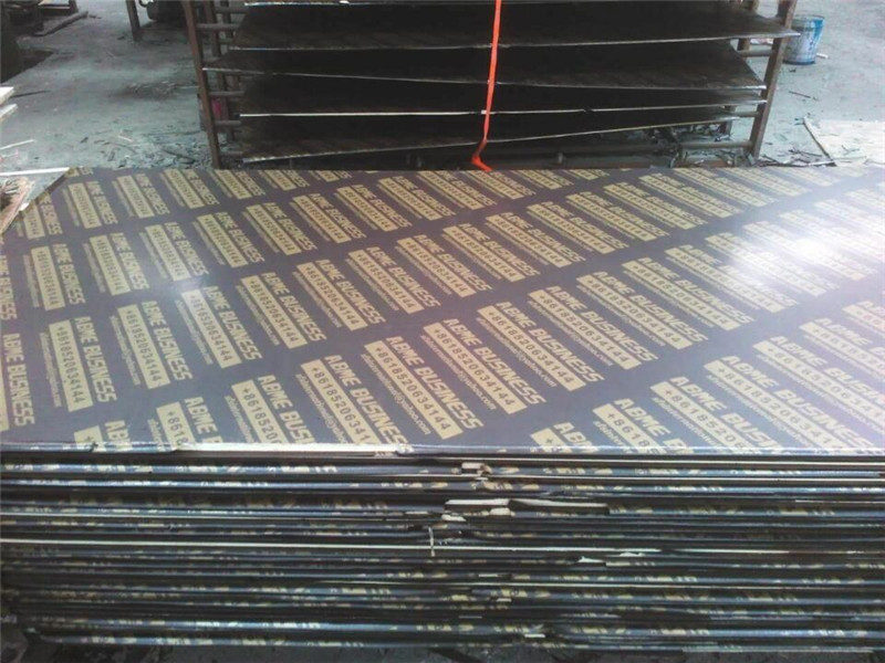 12mm Waterproof Construction Film Faced Plywood Import to Africa.jpg