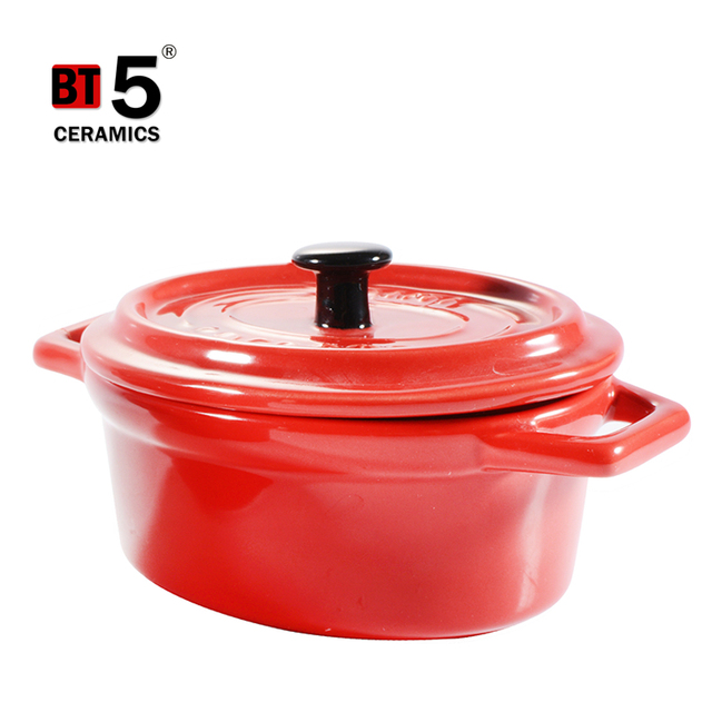 Double hollow handles small size bright colors oval ceramic casserole dishes with lid