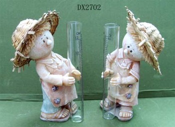 Polyresin figurine with Rain gauge