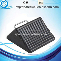 rubber wheel chock with steel handle