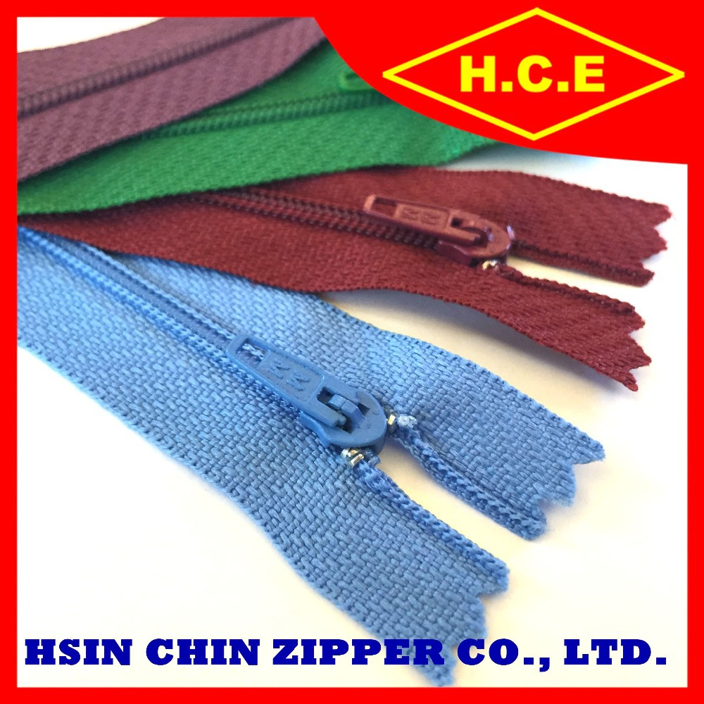 Wholesale 5 7 8 10 polyester footwear nylon zipper for accessory