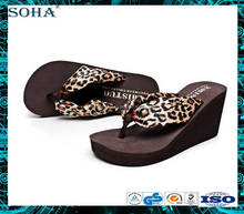 Fashion and beautiful women beach platform rubber flip flops wedges slippers