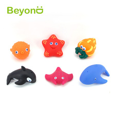 Good Quality floating fountain rubber fish bath toy for kids